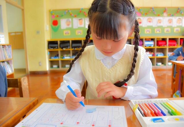 子どもの書く文字が薄い?筆圧を上げる方法